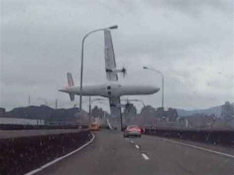 libro air bridge at least 23 dead after transasia plane crashes in taiwan