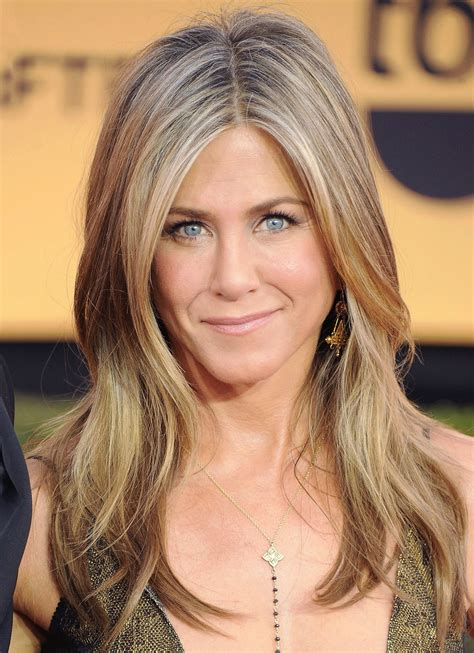 New Jenifer aniston has launched fifth fragrance luxe