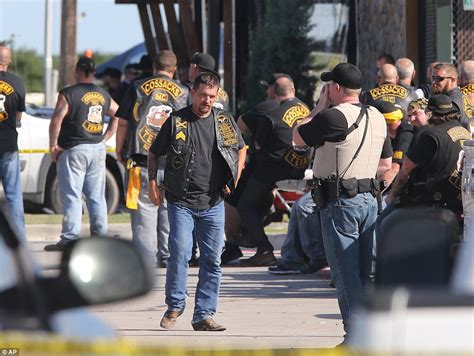 waco biker shoot out leaves 9 dead at texas twin peaks