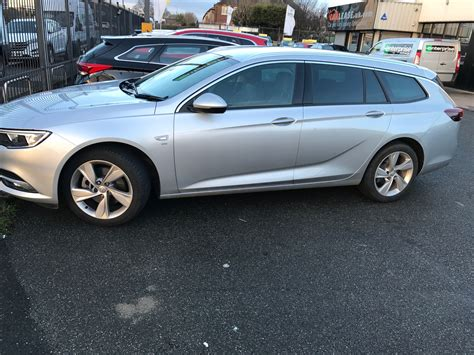 vauxhall insignia estate in review vauxhall insignia estate sri turbo d