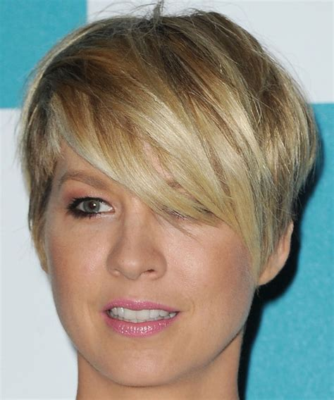 short boy cut with long side bang 15 stylish hairstyles with side bangs styles weekly