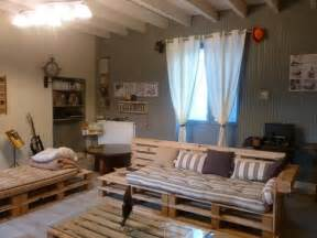 Upholstery Tutorial Chair Diy Pallet Living Room Sitting Furniture Plans 99 Pallets