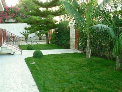 giardino condominiale pensiline in acciaio pergole e tettoie da giardino