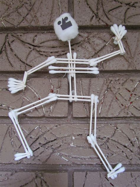 how to make a skeleton cotton swab arts crafts