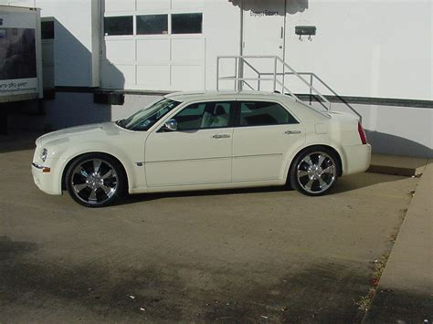 Chrysler 300 Stock Rims by Chrysler 300 On Helo Rims 22 Find The Classic Rims Of Your