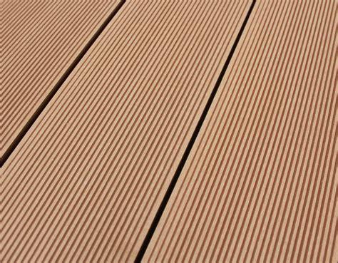 Wpc Terrassendielen by Wpc Terrassendielen 21 X 146 Mm Hellbraun Kp Holzshop De