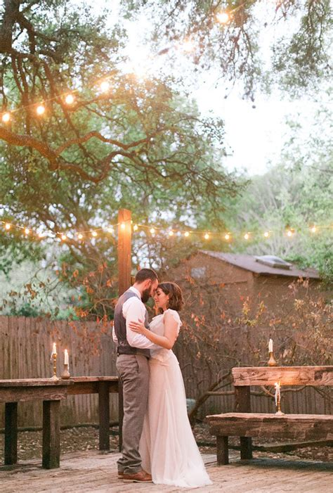 how to throw a backyard wedding how to throw an intimate backyard wedding wedding tips