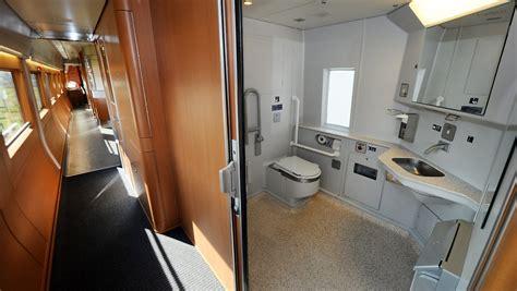 japanisches klo japanisches zug klo schie 223 t zur 252 ck toilette sp 252 lt in die