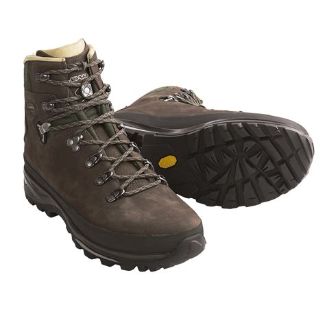 lowa mens boots lowa baltoro backpacking boots for 6357w save 35