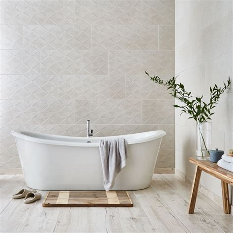 calm and relaxing spa bathroom ideas featured image