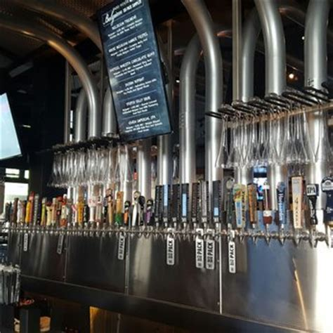 yard house kc yard house 89 photos 96 reviews american new 1300 main st