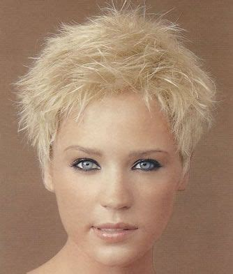 feathery haircuts for fashion hairstyles blog short feathery haircut