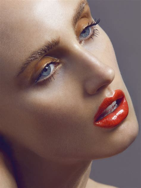 Gloss And Makeup by Max Made 187 Get The Look Eye Gloss The Eye Trend
