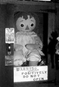 Annabelle, la bambola assassina - Le fotografie che hanno