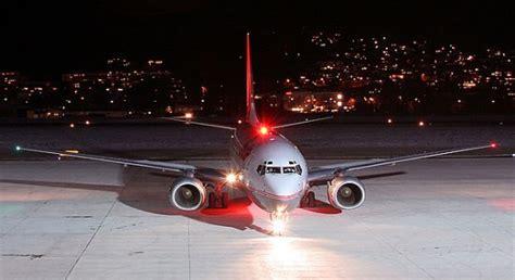 aerospaceweb org ask us aircraft lights beacons