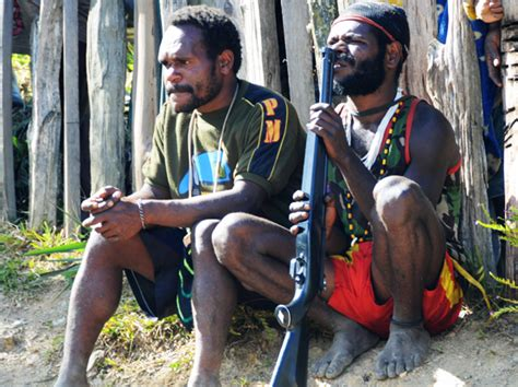 Koteka T Shirt traveling in west papua