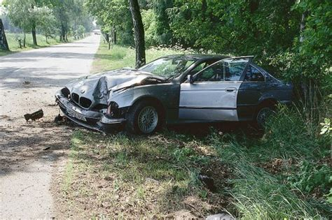 Audi Wolf Duisburg by Unfall Totalschaden Was Tun Autobild De