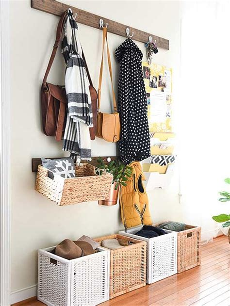 inspiring ideas of stay organize with mesmerizing mudroom 1000 ideas about small entry on pinterest small entry