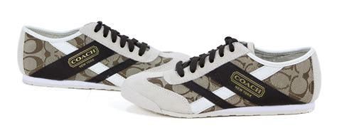 coach yolanda signature khaki parchment brown sneaker