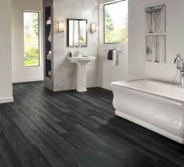 Vinyl Plank Flooring In Bathroom 29 Vinyl Flooring Ideas With Pros And Cons Digsdigs