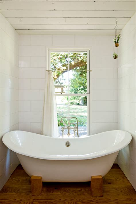 Big Bathtubs With Showers by Corner Bath Tubs Are Big In Small Spaces