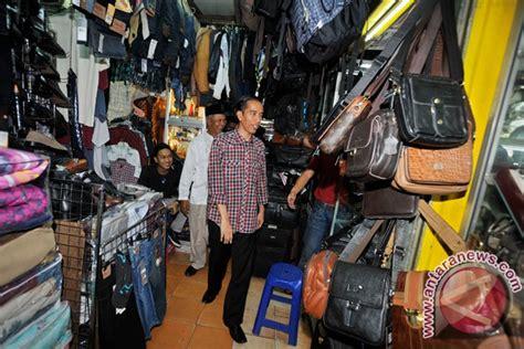 Sepatu Di Pasar Ular kunjungi pasar ular foto antara news
