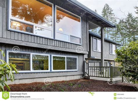 split level brown grey house front exterior stock photos image 23524883