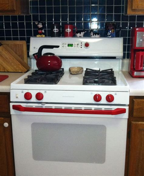 White Stove Knobs by Used Spray Paint To Brighten Up The Knobs And Handle