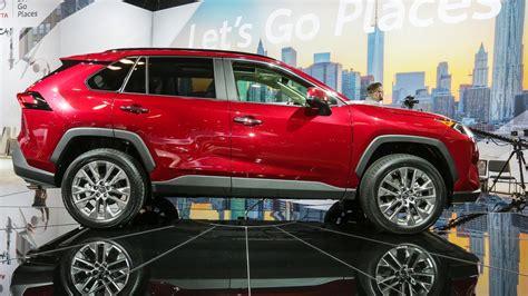 Rav4 Vs Crv Vs Forester by 2019 Toyota Rav4 Vs Forester Vs Honda Cr V Vs Nissan Rogue