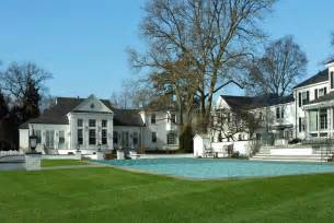 Donald trump s former vacation home 21 vista drive greenwich