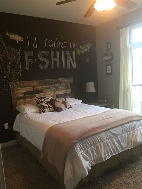 Theme Ideas For Bedrooms by Made This Pallet Headboard For Boys Room Fishing Theme