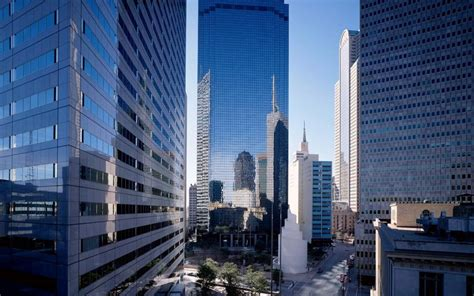 background gedung gedung gedung tinggi di kota hd wallpaper desktop layar