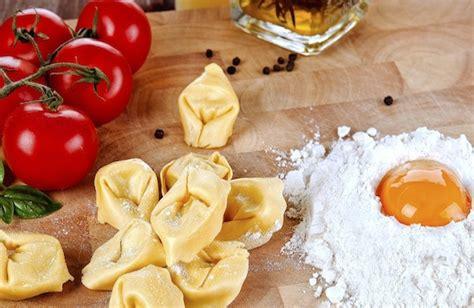 scuola di cucina a bologna 5 scuole di cucina a bologna e in provincia