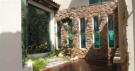 Kerala Home Design Nadumuttam 191 qu 233 piedras escoger para revestir un muro
