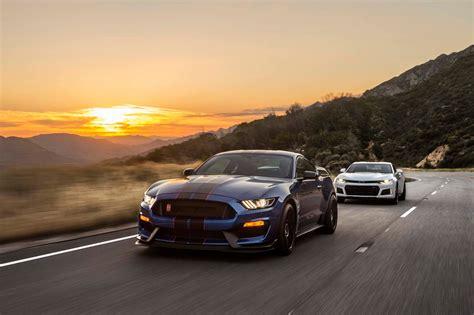 Mustang Vs Camaro by 2017 Chevrolet Camaro Zl1 Vs 2017 Ford Mustang Shelby