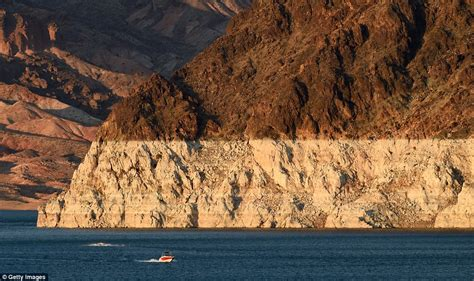 lake mead bathtub ring controversial topics water levels at lake mead at all