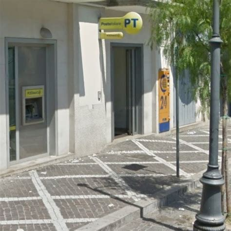 ufficio postale pomigliano d arco teverola rapina all ufficio postale malore per un