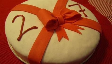 pastel decorado bonito pastel de cumplea 241 os decorado con un bonito lazo de