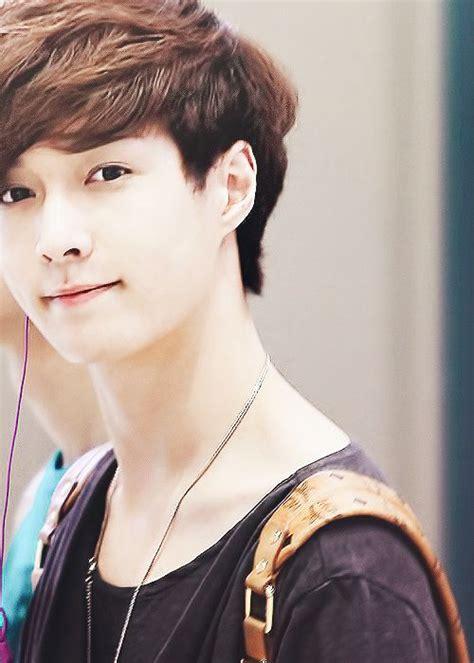 exo yixing zhang exo lay exo pinterest exo smile and unicorns