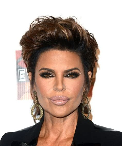 what type of hair products does lisa rinna use lisa rinna short straight casual hairstyle dark brunette