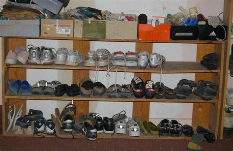 Shoe Shelf For Garage by The Shoe Shelf System For Cleaner Floors In The House
