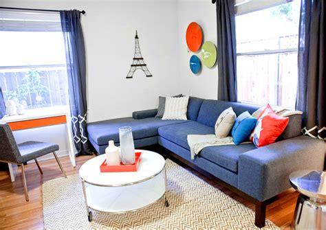 Terrific Silver Fox Benjamin Moore With Dark Gray Fireplace Colorful Artwork Daniel Recaloosterman » Home Design 2017
