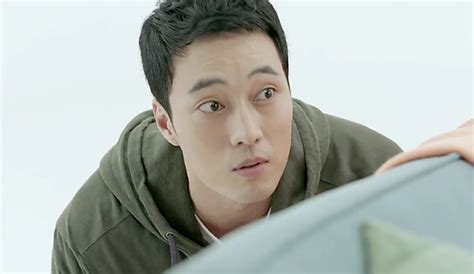 so ji sub venus so ji sub sneaks up on shin min ah in first oh my venus