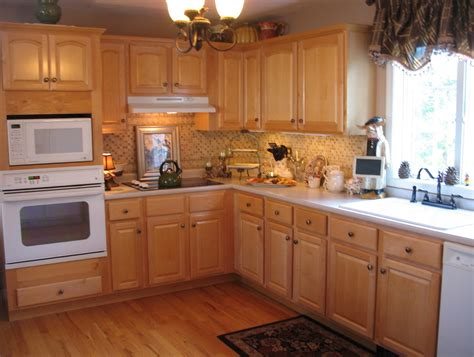 paint color for kitchen with light wood cabinets colors