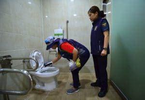 telecamere nascoste bagni pubblici corea sud donne filmate nei bagni pubblici da