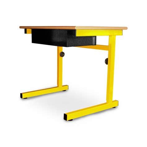 le bureau jaune table scolaire monoplace r 233 glable pour 233 l 232 ve