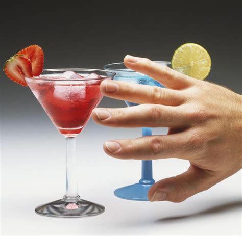 wann ist martini alkoholsucht ab wann ist alkoholkonsum sch 228 dlich welt