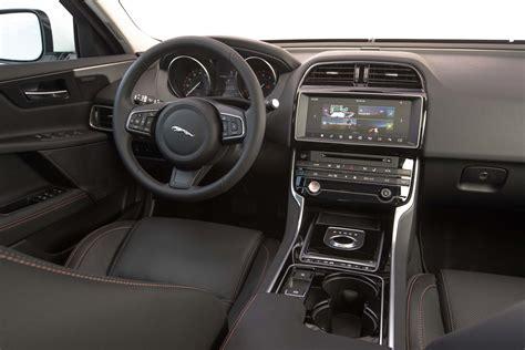 imagenes interior jaguar xe jaguar xe 2 5t 2017 primera prueba motor trend en espa 241 ol