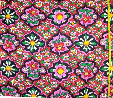 Retro Fabric by Vintage Retro Flower Cotton Fabric 1 2 Yd