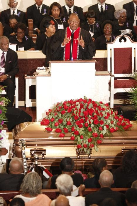 mourners send messages to b b king s funeral